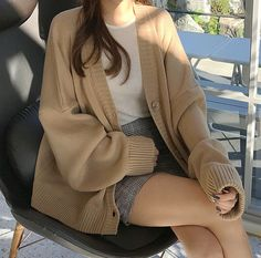 Uploaded by Find images and videos about fashion, clothes and kfashion on We Heart It - the app to get lost in what you love. Cute Fashion, Look Fashion, Winter Fashion, Fashion Outfits, Fashion Clothes, Fashion Accessories, Korean Fashion Trends, Asian Fashion, Korean Girl Fashion
