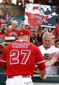 I wish I can meet mike trout I love him