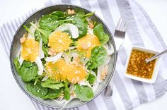 Het is een goede bron van calcium, kalium en fosfor. Maak dus eens een spinazie salade met venkel en sinaasappel als lunch en vergeet die beker melk!