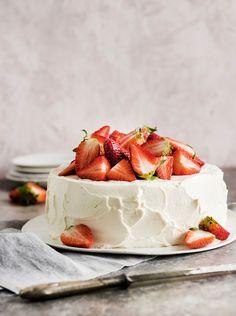 Perinteinen mansikkakakku kesän juhliin. | K-ruoka Food Photography Props, Food N, Camembert Cheese, Delicious Desserts, Panna Cotta, Cheesecake, Strawberry, Baking, Drinks