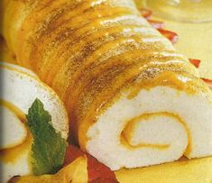 Meringue Roulade, Delicious Desserts, Dessert Recipes, Portuguese Recipes, Cake Boss, Food Inspiration, Sweet Recipes, Food And Drink, Favorite Recipes