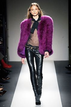 Balmain Fall 2010 RTW - Runway Photos - Fashion Week - Runway, Fashion Shows and Collections - Vogue Purple Fashion, Fur Fashion, Leather Fashion, Look Fashion, High Fashion, Fashion Show, Fashion Design, Couture Mode, Style Couture