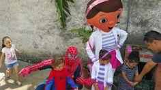 Spiderman y Doctora Juguetes uno de nuestros 87 personajes o Botanas 8831-3232