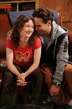 """Sara Gilbert and Johnny Galecki on the set of """"The Big Bang Theory"""""""