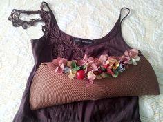 Trenzas y hortensias secas - Almudena Ruiz atelier, peinados boda, invitada, peinado invitada boda, bolso boda, peinado cómodo, tendencia peinado, fiesta
