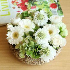 ガーベラのスプリングホワイトリースアレンジメント | 花・花束の通販|青山フラワーマーケット