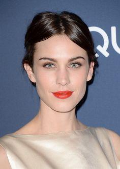 Esta temporada apostamos por los labios naranjas: descubre qué tonos te favorecen más. #maquillaje #belleza #beauty