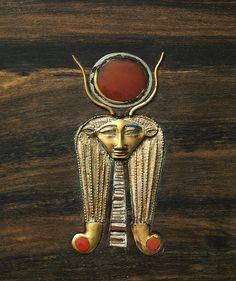 Head of Hathor from the jewelry chest of Sithathoryunet, Middle Kingdom, 12 dynasty. Metmuseum