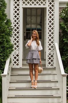 navy gingham skirt // off (a lonestar state of southern) Preppy Skirt, Gingham Skirt, Preppy Outfits, Preppy Style, Spring Summer Fashion, Spring Outfits, Spring Style, Summer Office Casual, Sunday Brunch Outfit