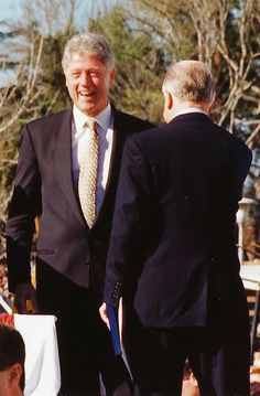 President Clinton in Northridge after the quake in 1994