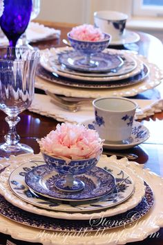 StoneGable: Blue dishes and Pink Peonies Tablescape Blue Willow China, Blue And White China, Blue China, White Table Settings, Beautiful Table Settings, Place Settings, White Dishes, Blue Dishes, Terracotta