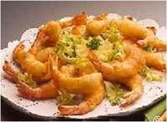 Gambas a La Gabardina. Recetas, recipes, food... Spanish Tapas, Spanish Food, Tapas Recipes, Canapes, International Recipes, Finger Foods, Macaroni And Cheese, Seafood, Curry