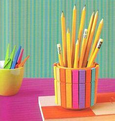 Useful Creative DIY Pencil Holder Ideas with Colorful Clothespins Kids Crafts, Summer Crafts, Preschool Crafts, Diy And Crafts, Rangement Art, Diys, Pot A Crayon, Diy Y Manualidades, Ideias Diy