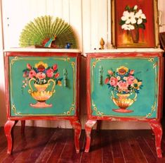 100 Great Ideas for Decoupage on furniture! Painted Chairs, Hand Painted Furniture, Funky Furniture, Paint Furniture, Furniture Makeover, Granny Chic Decor, Deco Paint, Mexican Designs, Bohemian House