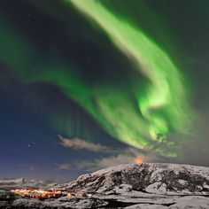 http://spaceweather.com/aurora/images2010/23nov10/Thilo-Bubek1.jpg