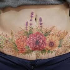 Image result for tatuagem+em+cicatriz+de+abdominoplastia