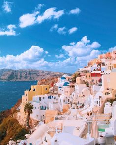 it's crazy that this little picturesque Greek town sits on top of a huge cliff, on a old volcanic island in the middle of the ocean. Greek Town, Sit On Top, Cliff, Dolores Park, Middle, Ocean, Island, Wallpaper, Travel