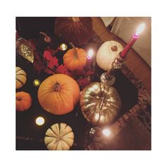 Instagram / @cventresca  #cventresca #courtneyventresca #homedecor #homestaging #staging #decor #cozy #home #interiors #interiordesign #holidaydecor #holiday #pumpkin #candles #lights #atmosphere #fireplace #architecture #garland #fall #autumn #winter #thanksgiving #restorationhardware #rustic