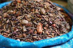 Discovering a Feast of Spices - Wanderlust and Lipstick Ras El Hanout, Spice Mixes, Deli, How To Dry Basil, Whole Food Recipes, Spices, Pasta, Vegetables, Cooking