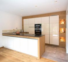 """For a small kitchen """"spacious"""" it is above all a kitchen layout I or U kitchen layout according to the configuration of the space. Small Kitchen Furniture, Ikea Kitchen, Home Decor Kitchen, Rustic Kitchen, Kitchen Interior, Kitchen Ideas, Kitchen Cabinets, Kitchen Counters, Kitchen Islands"""