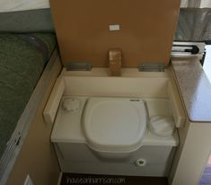 composting toilet in a pop-up... would there be smell issues in that close of an area?