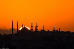 Istanbul Double Dome (Blue Mosque) by Alessio Andreani, via Blue Mosque Istanbul, Istanbul City, Istanbul Turkey, Amazing Sunsets, Amazing Places, Islamic Wallpaper, Beautiful Mosques, Famous Places, Beautiful Landscapes