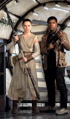 Rey and Finn. Star Wars VII: The Force Awakens - Star Wars Costumes - Latest Star Wars Costumes - Star Wars Dark, Star Wars I, Finn Star Wars, Chewbacca, Ewok, Luke Skywalker, Costume Star Wars, Rey Cosplay, Cosplay Costumes