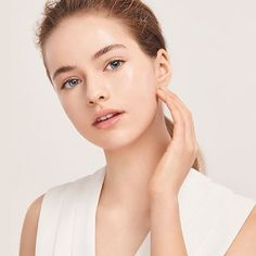 Industry Experts Give You The Best Beauty Tips Ever Kristina Pimenova, Best Beauty Tips, Beauty Hacks, Body Makeup, Hair Makeup, Little Girl Models, Beauty Shots, Russian Models, The Most Beautiful Girl