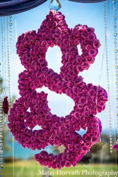Ganesh Chaturthi Ideas - The Prettiest Pooja Decor and the most amazing Ganesh idols we've seen! Wedding Ceremony Ideas, Wedding Mandap, Wedding Stage, Tamil Wedding, Backdrop Wedding, Ceremony Backdrop, Wedding Receptions, Wedding Tips, Diy Wedding