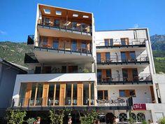 Hoteltipp: Kleinkunst-Hotel Restaurant Kreuzwirt Hotels, Restaurant, Mansions, House Styles, Home Decor, Small Art, Remodels, Architecture, Twist Restaurant