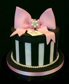 20 Ideas for Elegant Birthday Cakes Birthday Cake For Women Elegant, Elegant Birthday Cakes, Adult Birthday Cakes, Cool Birthday Cakes, Birthday Cupcakes, Happy Birthday Cakes For Women, Pink Birthday, 12th Birthday, Birthday Woman