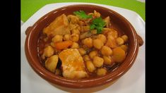 Cómetelo | Cazuela de garbanzos con pollo - YouTube Light Cheesecake, Food Humor, Funny Food, International Recipes, Chana Masala, Soups And Stews, Tapas, Chicken Recipes, Food And Drink