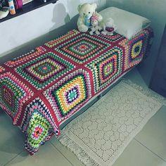 "55 Likes, 2 Comments - Marina Sennas Ateliê (@msennasatelie) on Instagram: ""#colchas  Colcha de crochê!!!¯_(ツ)_/¯ #msennas #crochet #croche #crochê #crochets #crocheting…"""