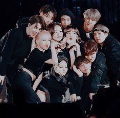 Blackpink Photos, Bts Pictures, K Pop, Little Boy Swag, Divas, Korean Best Friends, Toddler Chores, Bts Girl, Kpop Couples