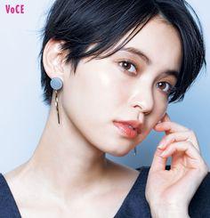 Asian Short Hair, Girl Short Hair, Short Hair Cuts, Majestic Hair, Growing Out Short Hair Styles, Shot Hair Styles, Hair Arrange, Japanese Beauty, Pixie Hairstyles