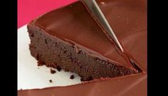 This easy recipe for flourless chocolate cake with silky chocolate glaze is a decadent finale to any special celebration. This flourless cake, featuring both chocolate and cocoa, is rich, rich, RICH! A chocolate ganache glaze takes it over the top. Flourless Chocolate Cakes, Chocolate Desserts, Chocolate Glaze, Flourless Desserts, Chocolate Lovers, Cake Chocolate, Chocolate Heaven, Chocolate Muffins, Chocolate Cheesecake