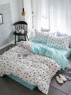 Shop Triangle Print Bedding Set at ROMWE, discover more fashion styles online. Dream Rooms, Dream Bedroom, Cute Bed Sheets, Bed Sheet Sets, Bed Sets, My New Room, Bedroom Designs, Room Decorations, Bed Design