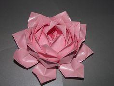 Flor de lótus feita por mim.
