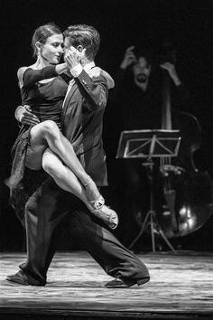 "chillypepperhothothot: ""  Graceful tango by Stefano """