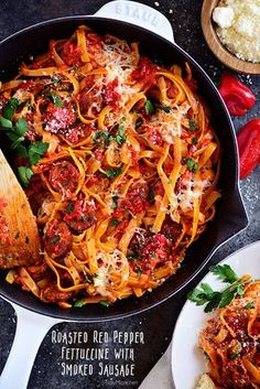 Nutritious Snack Tips For Equally Young Ones And Adults Delicious Roasted Red Pepper Fettuccine With Garlic Smoked Sausage Is Full Of Flavor And On The Table In 20 Minutes Or Less A Dinner The Whole Family Will Love Print The Full Recipe At Pasta Dishes, Food Dishes, Main Dishes, Rice Dishes, Pasta Recipes, Dinner Recipes, Dinner Ideas, Pasta Meals, Cooking Recipes