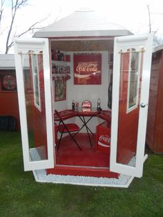 Woman Turns House Into A Coca-Cola Paradise | SF Globe