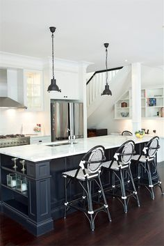 Gorgeous black and white kitchen. Porchlight Interiors