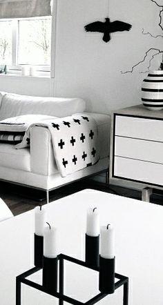 Via Vestavinden | Black and White | Pia Wallen | By Lassen