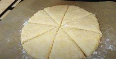 Turte la cuptor, preparate în doar 15-20 minute. Pot fi servite în loc de pâine, ca gustare sau chiar mic dejun! - Retete-Usoare.eu Pineapple, Bread, Fruit, Desserts, Tailgate Desserts, Deserts, Pine Apple, Brot, Postres