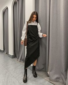Le Fashion: How to Stylishly Transition Your Favorite Slip Dress Into Spring Modest Outfits, Classy Outfits, Modest Fashion, Chic Outfits, Trendy Outfits, Dress Outfits, Fashion Outfits, Spring Outfits, Dresses
