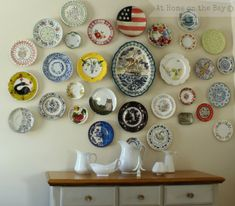 Jennifer Rizzo: For the love of a plate display wall. to see other photos of plate walls, visit: www. Plate Wall Decor, Plates On Wall, Plate Display, Display Wall, Mustard Walls, Inspiration Wand, Plate Hangers, Hanging Plates, Vintage Plates