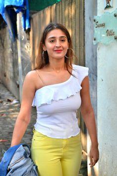 Hindi Actress, Bollywood Actress Hot Photos, Beautiful Bollywood Actress, Beautiful Indian Actress, Beautiful Actresses, Alia Bhatt Photoshoot, Indian Princess, Beauty Around The World, Stylish Boys