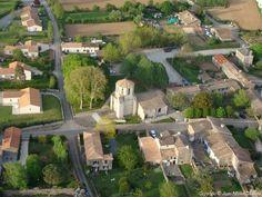 Randonnée à germond-rouvre -1) CLASSEMENT MH PROPOSE EN 1980: Classement proposé par l'Architecte en chef des M.H.- I.1: Inventaire Historique et archéologique: Le village de Germond fut créé au tout début du XI°s. Le prieuré de Germond subsista jusqu'à la Révolution à l'état de prieuré-cure relevant de Celles. En 1634, les bâtiments du prieuré sont déclarés être à l'état de ruine de même que la voûte à l'entrée de l'église.