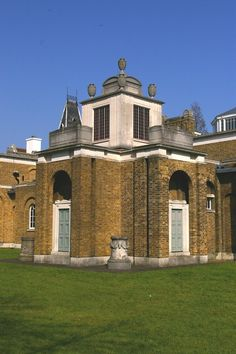 The world's first purpose-built art gallery, designed by Sir John Soane in 1811 and opened in Dulwich Picture Gallery, Composition Design, English Style, Historical Architecture, Land Art, London Travel, Public Art, Art Gallery, Mansions