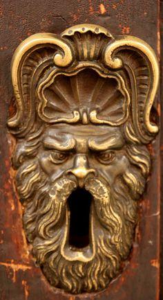 door detail, Bologona, Italy Love this! Cool Doors, Unique Doors, The Doors, Windows And Doors, Door Knobs And Knockers, Knobs And Handles, Door Handles, Door Detail, Door Accessories